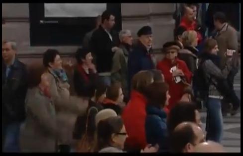Krypton Radio Video Of the Day!: Historic flashmob in Antwerp train station, do re mi