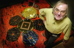Planet scientist Colin Pillinger with a model of Beagle 2 in 2003. (Image credit: Scott Barbour/Getty Images)