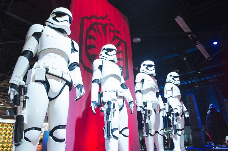 Bob Iger Announces 'Star Wars' Expansion of Disneyland / Disneyworld at D23